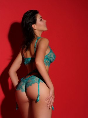Mirose submissive escorts in Laguna Beach, CA