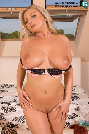 Tassia muscled escorts Heswall